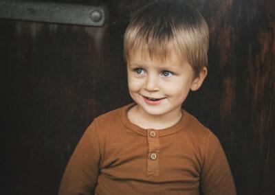 soed dreng er til fotograf i langesoeskoven